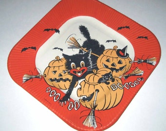 Vintage Halloween Paper Plate with Black Cat Jack O Lanterns and Bats