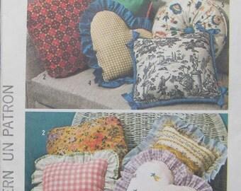 Simplicity Pillow Pattern 6483