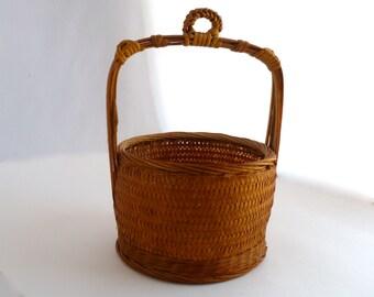 "Indonesian Rice Basket, handled basket, rice basket, lunch basket, vintage basket, 6"" x 9"" basket, 4"" handle, woven basket, reed basket,"