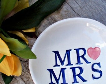 Mr and Mrs Jewelry Dish - Ceramic Wedding Ring Dish - Ring Dish - Gift Dish - Ring Bowl - Jewelry Bowl - Wedding Gift - Wedding Ring Holder