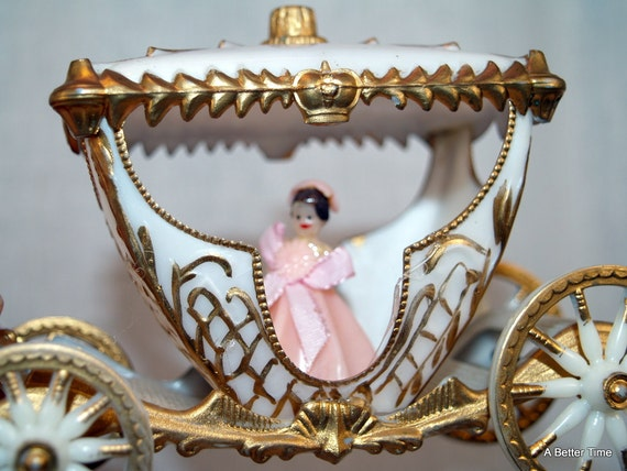 wilton wedding cake topper cinderella princess carriage wilton cinderella wedding cake ornament carriage white 27538
