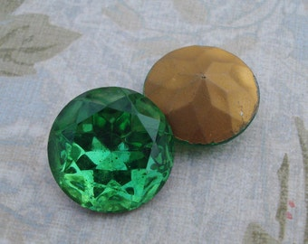 Vintage 20mm Czech Dark Peridot Gold Foiled Pointed Back Round Faceted Glass Jewel or Cab