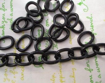 New Item Funky Acrylic chain links  Size 17mm x 13mm  40pcs Jet Black