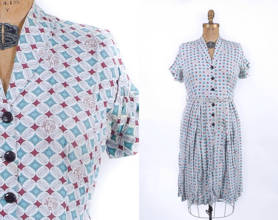 ON SALE: Vintage 1950's Dress - The Queen of Diamonds Patterned Rayon Dress - sz L