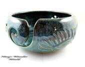 Yarn bowl, pottery yarn bowl, ceramic knitting bowl - In stock - B.E.D