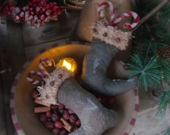 Primitive Santa Boots Bowl Filler or Ornie