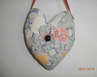 VINTAGE QUILT HEART Pillow Pincushion Pinkeep with Lavender for Valentine's Day