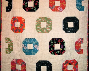 Patchwork Quilt - black and red Japanese Donuts