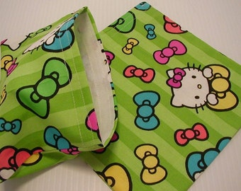 2pc Hello Kitty Reusable Sandwich and Snack Bag Pink Green