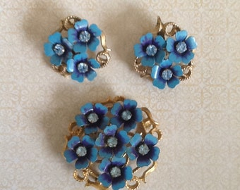 Vintage Retro Blue Lucite Demi Parure Signed AVON Blue Enamel Rhinestone Clip Earring Brooch Pin 1960s cottage chic 60s