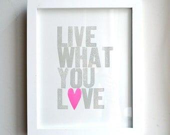 Live What You Love Special Edition Neon roze hart - uitverkoop!
