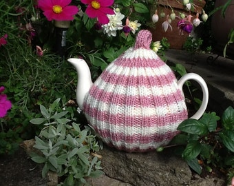 Traditional English Tea Cosy  - 4/6 cup pot - dusky pink and cream