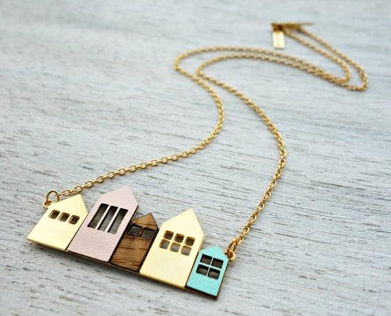 Collier court de Copenhague, collier signature, pendentif maison minimaliste, design scandinave