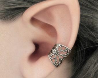 Soft Whispers - Silver Filigree Ear Cuff, Gothic Jewelry, Fantasy Jewelry, Silver Earcuff, No Piercing, Cartilage Earring, Silver Ear Cuff