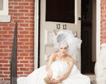 Wedding Veil, Bridal Headpiece -- Classy Bubble Veil