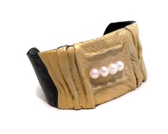 Stylish women's leather bracelet with pearls Cuff bracelet Leather jewelry  Leather jewelry Statement jewelry