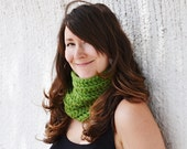 Go Green COWL - Wide, Thick, Chunky, Warm, Loose, Crochet, Acrylic Wool Yarn, Hip, Pretty, Natural, Plain, Simple, Handmade, theyarnival.