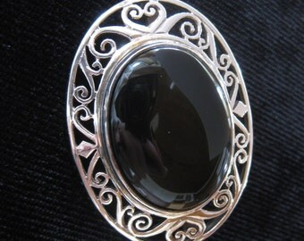 Excellent Sterling Onyx Brooch