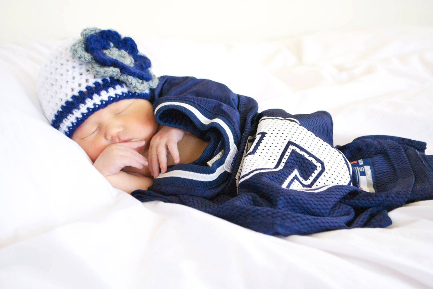 Items similar to Baby Girl Dallas Cowboys Hat with flower ...