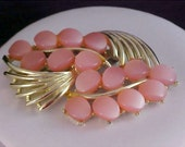 FREE Ship ~ RETRO ~ Pink Thermoset Oval Cabochon - Gold Plate Brooch