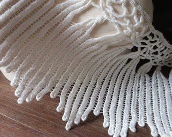 Ivory Cream Lace Venise Style  for Bridal, Jewelry or Costume Design, Home Decor L 97