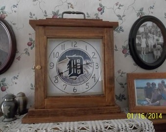 Mantel, Shelf or Table Detroit Tigers Clock