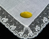 Vintage Unused White Linen and Lace Brides Wedding Handkerchief, Hankie, Hanky-9191
