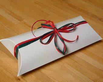 """1 White Pillow Box 8 7/8"""" x 5"""" x 2"""""""