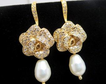 Gold Wedding earrings, Pearl bridal earrings, Wedding jewelry, Bridesmaid earrings, Crystal earrings, Pearl drop earrings, Dangle earrings
