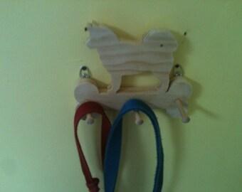 Wooden Husky leash holder