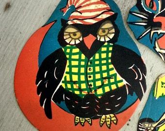 1948 Glow-in-the-Dark Halloween Party Decoration OWL Design