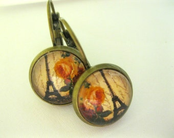 Eiffel Tower and Roses // Petite EARRINGS // 1/2 inch images under glass