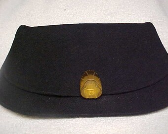 Antique clutch purse in black wool with Bakelite closing clasp- attached inside change purse