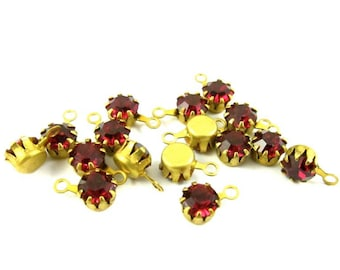 5mm Vintage Swarovski Round Stones in 1 Ring Closed Back Brass Crown Settings - Ruby - 8
