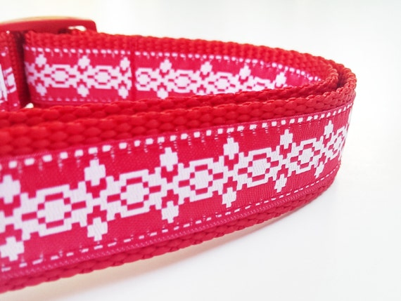 The Holiday Hound - Dog Collar / Pet Accesories / Handmade / Adjustable