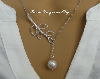 Cream Pearl Lariat Style Necklace