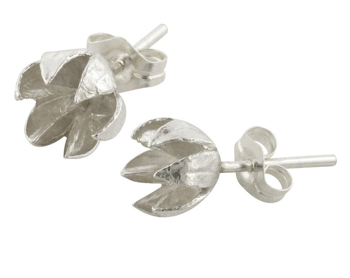 Small Sterling Silver Seed Pod Stud Earrings// Crepe Myrtle Earrings
