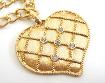 Vintage 80's Avon // Quilted Heart Rhinestone Necklace