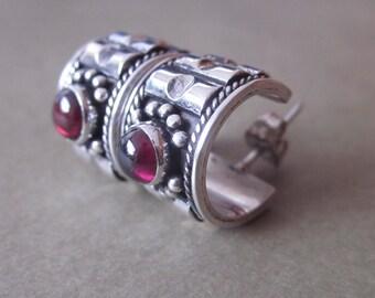 Sterling Silver Garnet hoop stud Earrings / silver 925 /  Balinese handmade jewelry / (#53m)