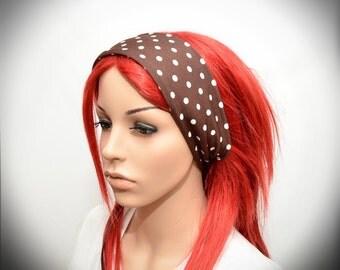 Stretchy headband with polka dot pattern