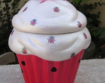 Silky Ladybug Cupcake Jar