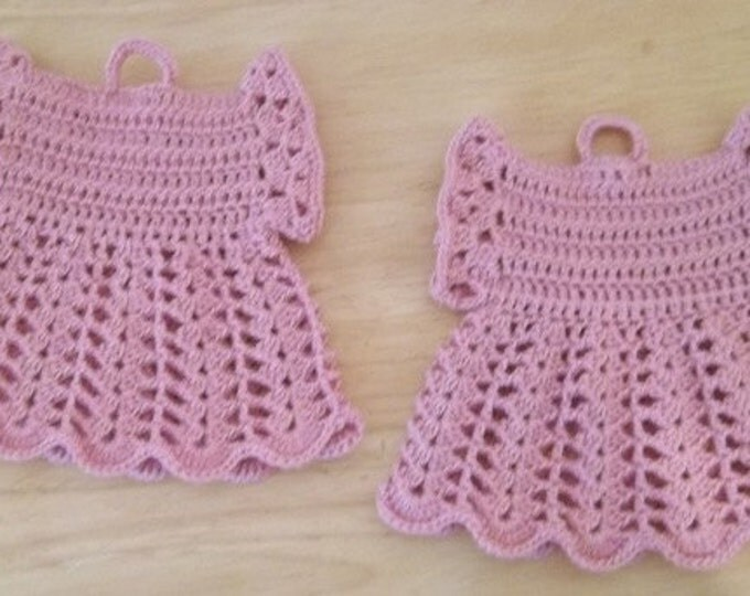 Potholder - Crochet Potholder - Two Potholder Old Fashion in Pink - Look like Little Dresses