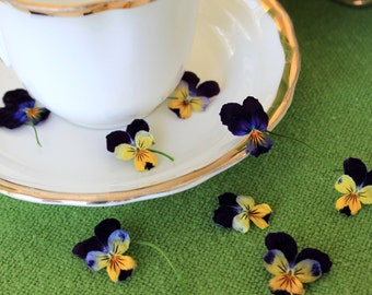 Dried Viola, Dry Flowers, Confetti, Real Violas, Wedding Decor,  Viola, Pansy, Flowers, Edible, Food Decoration, Violets, Petal Confetti