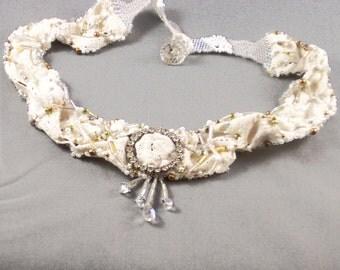 Vintage Lace Necklace with Diamante Circle