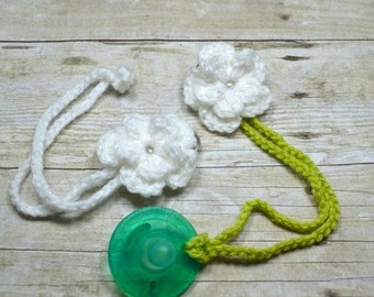 White Crochet Flower Pacifier Clip, Soothie Pacifier Clip, binky clip, baby accessories