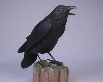"""9-1/4"""" Common Raven on Hand Carved Wooden post Bird"""