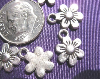 Flower Charm Tibetan Silver Jewelry Supply 5 pieces