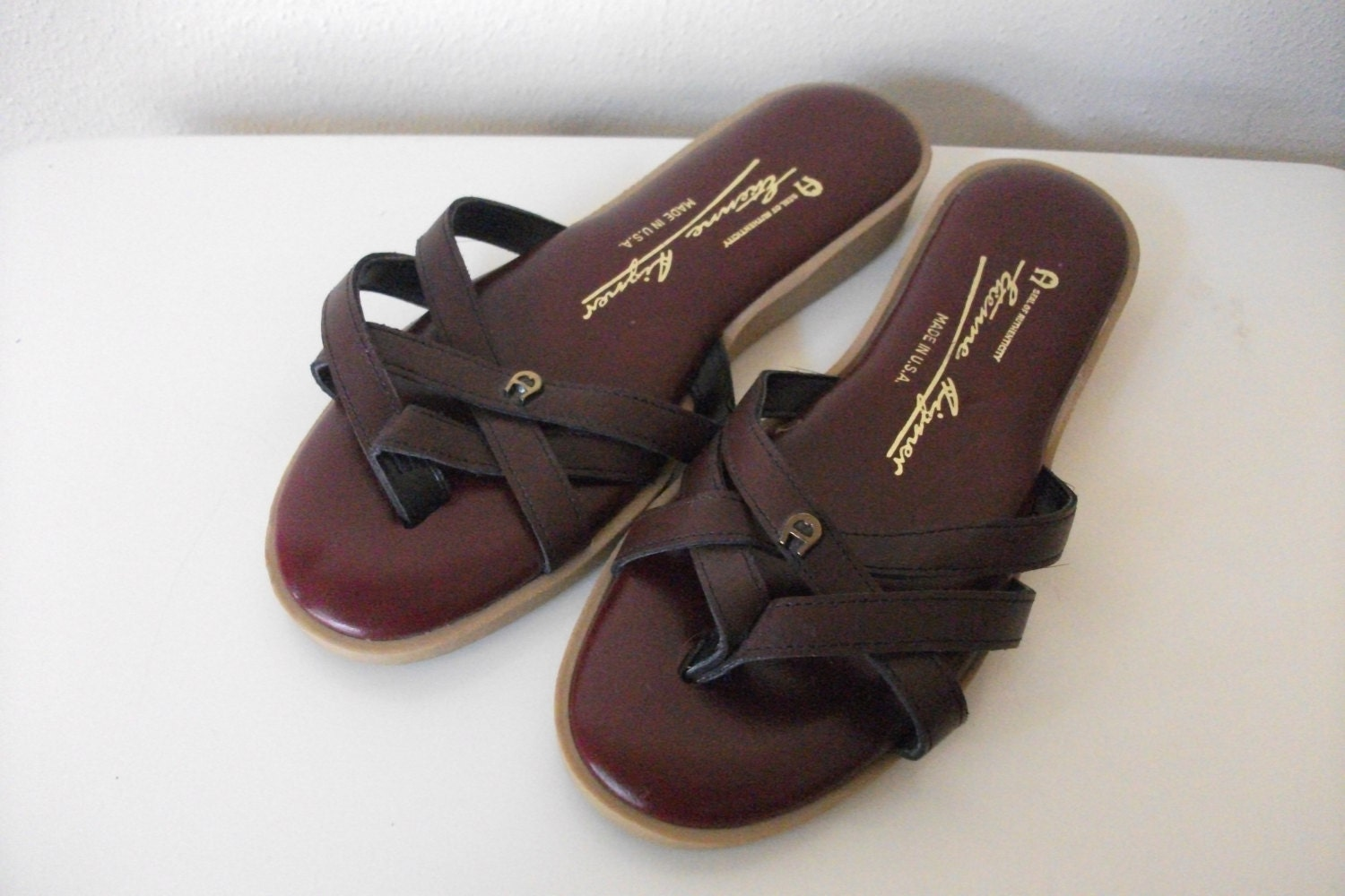 Etienne Aigner Burgundy Leather 80s Thong Sandals Size 7