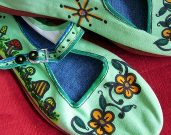 Sweet MaryJanes/Handpainted Canvas Shoes/MaryJane Slippers/HIppie/Bohemian/Size 9 to 9 1/2