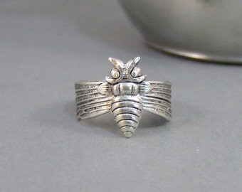Honey Bee,Ring,Silver,Bird,Sparrow,Antique Ring,Silver Ring,Spoon Ring,Woodland,Wedding,Bridesmaid. Handmade jewelery by valleygirldesigns.